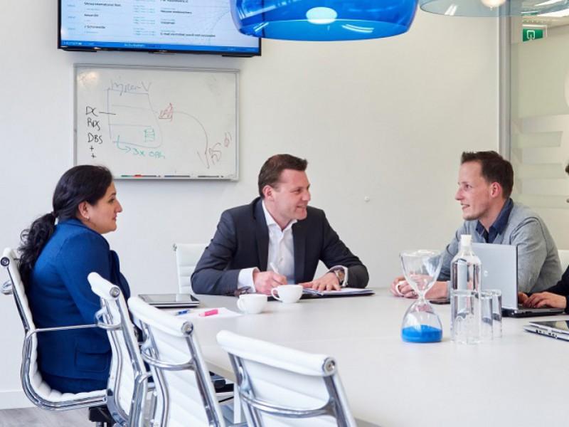 De besprekingsruimte in het kantoor van Heiper ICT
